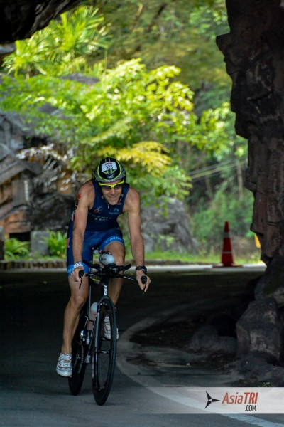 As a well rounded athlete Tim swam 3.8k in 57:22, rode 180k in 05:20:04 and ran 03:40:06